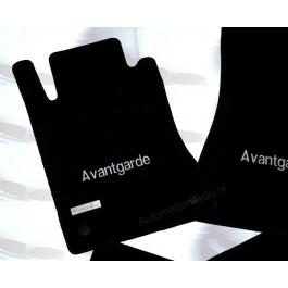 "Mattenset Mercedes in hoogwaardig velours met logo ""Avantgarde"""