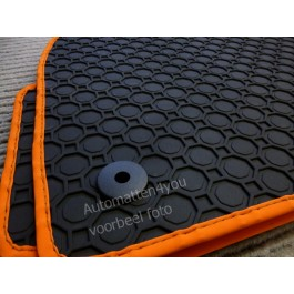 Pasvorm rubber automatten voor uw Skoda Favorit